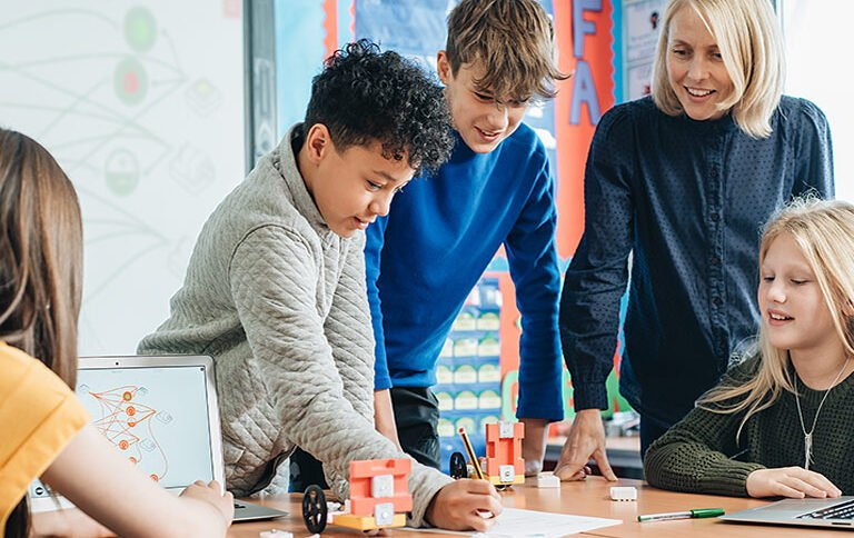 EdTech Grants For Your Classroom, School or District You Need to Apply For